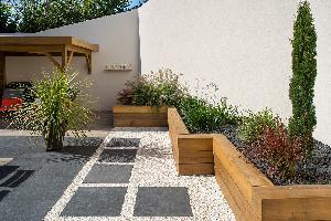 DECOJARDIN Aménagement D Un Jardin Clos Terrasse Céramique Jardinière Bois Abri Bois Saint Etienne De Montluc